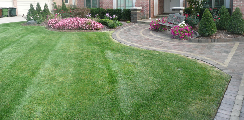 Macomb County Landscaper Explains How to Spruce Up Your Lawn